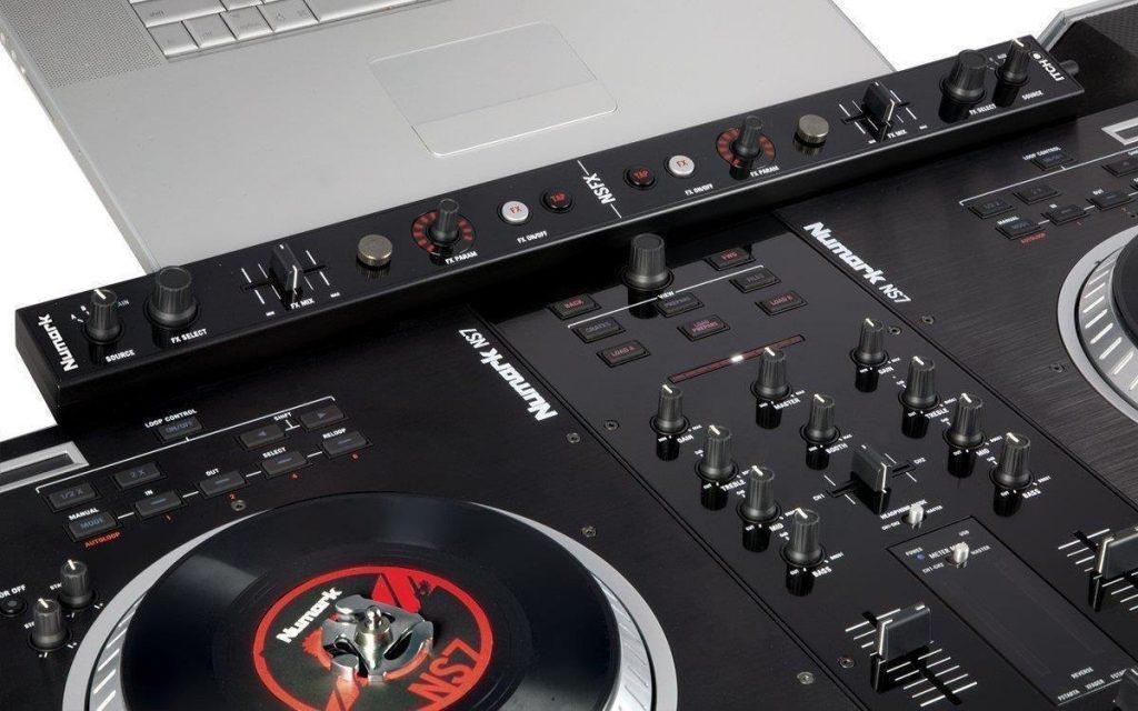 Numark NS7FX Professional DJ controller
