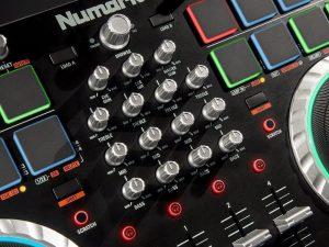 numark mixtrack quad control panel