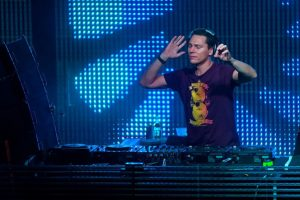 Tiesto turntables